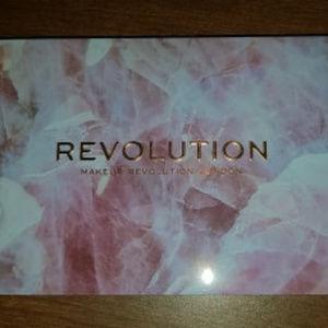 BNIB Makeup Revolution Unconditional Love Pallete
